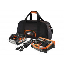 Зарядний пристрій двопортовий 12-18 В AEG 230 В / 12 В з акумулятором 5 Агод в сумці (4932451629)