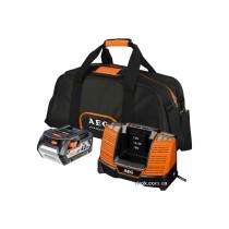 Зарядное устройство BL1218 AEG с аккумулятором Li-Ion 18 В 4 Ач в сумке (4932430359)