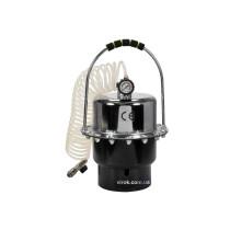 Пристрій для заміни рідини в гальмівних системах авто YATO : тиск- 2.7 Bar, V= 5 л, шланг- 6 м